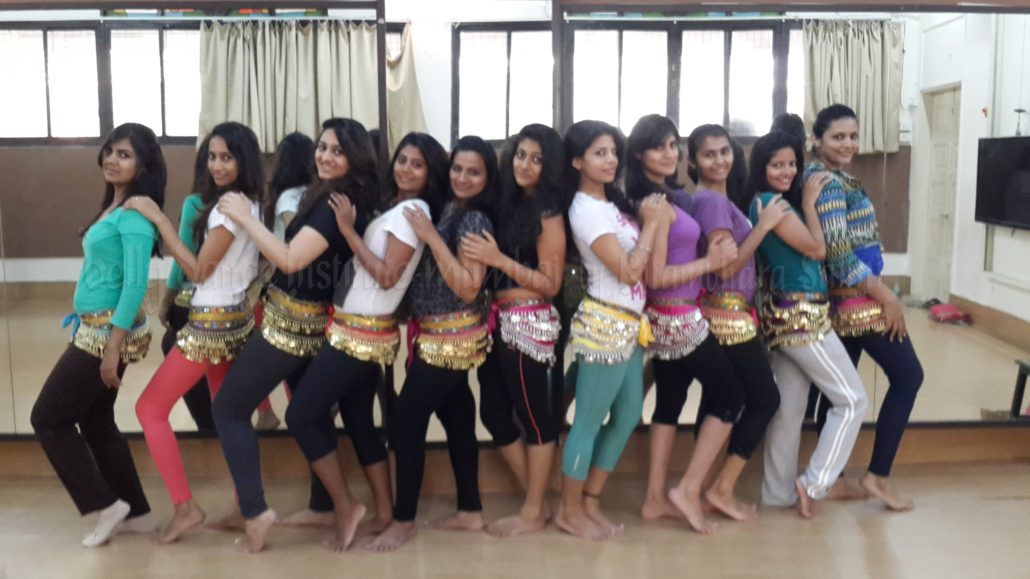 Pooja - Her 1st day at Ritambhara Belly Dance Class in Mumbai - Group pic of her beginner's batch on Day 1